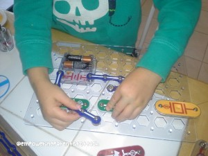 Empowering Parents to Teach- Snap Circuits Jr.